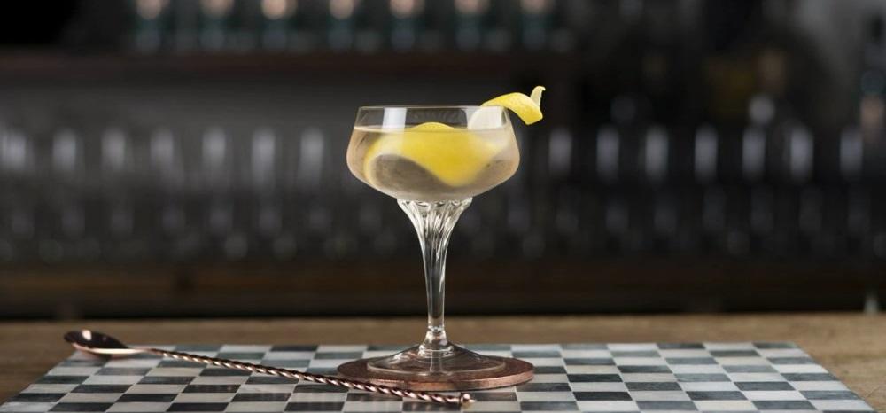 Con bianco cocktails martini Manhattan Bianco